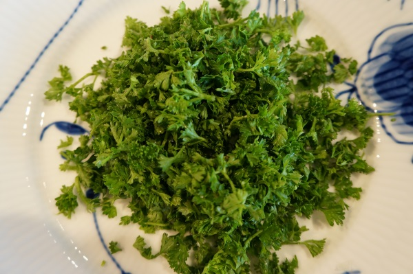 We felt that our parsley emerged from the processor bruised and wet.