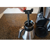 The Ninja© utilizes a brew-through lid and internal mixing tube.